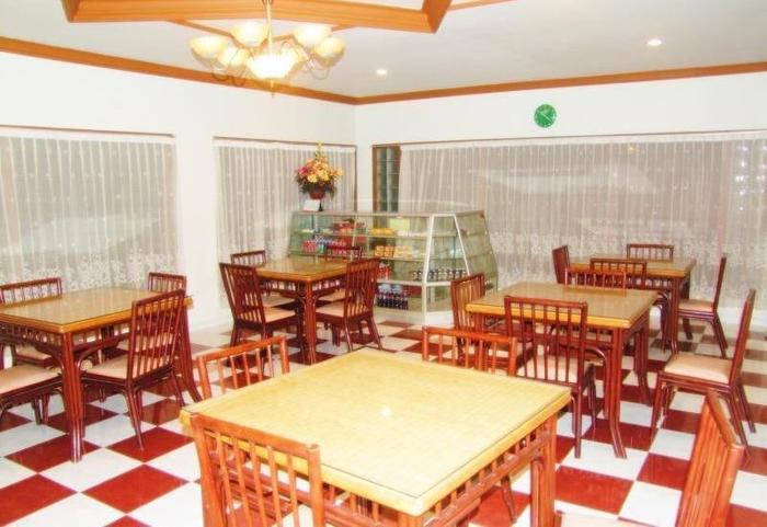 Hotel Yulia Gorontalo - Restaurant