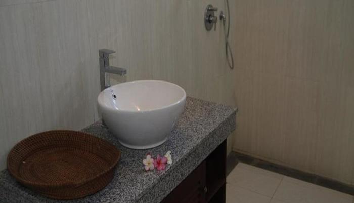 Fibra Inn Bungalows Bali - Kamar mandi