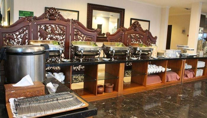 Ollino Garden Hotel Malang - Coffee Shop