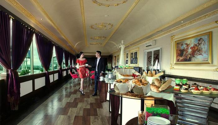 The Rich Jogja Hotel Jogja - Sky Lounge