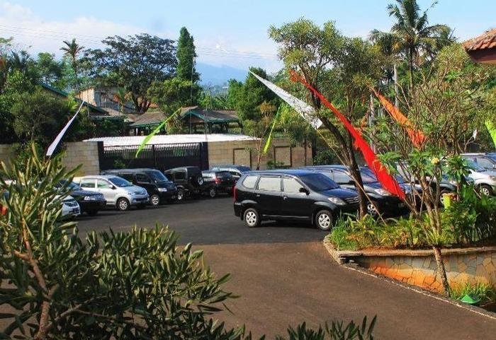 Bumi Tapos Resort Bogor - Parking Area