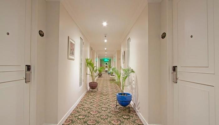 F Hotel Jakarta by Bencoolen - Corridor