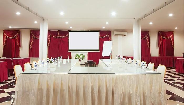 F Hotel Jakarta by Bencoolen - Meeting Room