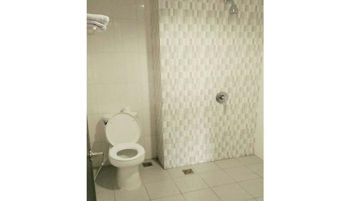 Hotel Grand Pacific Pangandaran - Bathroom