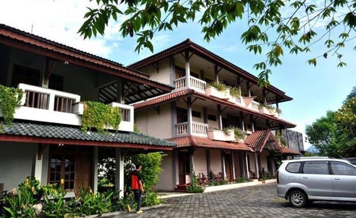 Srikandi Hotel Pacitan - Eksterior