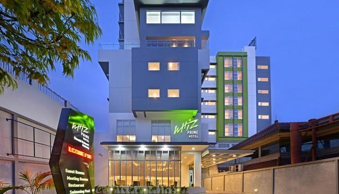 Whiz Prime Hotel Basuki Rahmat Malang Malang - Facade