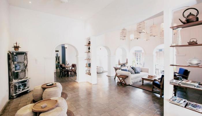 Adhisthana Hotel Yogyakarta - Living room