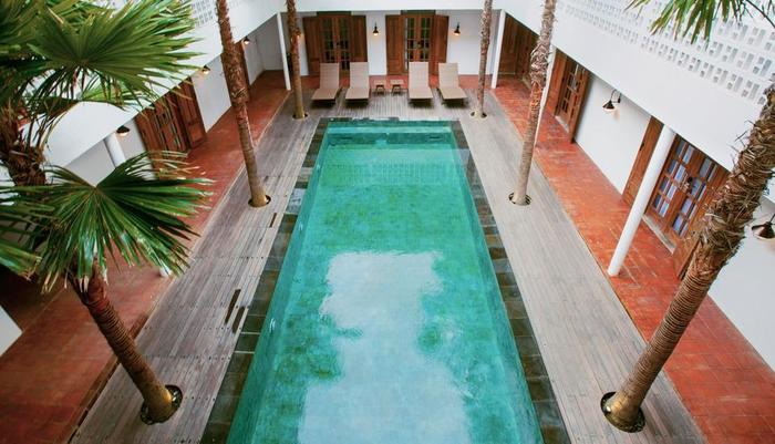 Adhisthana Hotel Yogyakarta - outdoor swimming pool