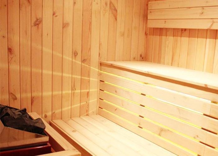 Golden Palace Lombok - Ruang sauna dan spa di lokasi