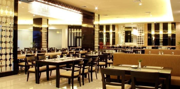 Golden Palace Lombok - Cendrawasih Restaurant