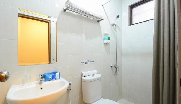 My Residence Cirebon - Bathroom