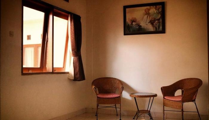 Wisma Gandapura Bandung - Kamar Deluxe : Ruang Keluarga