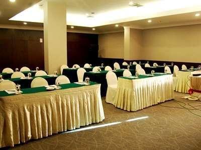 Emerald Garden Hotel Medan - Ruang Rapat