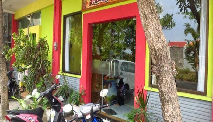 Hasanah Sawojajar Guest House Malang - Pintu masuk utama