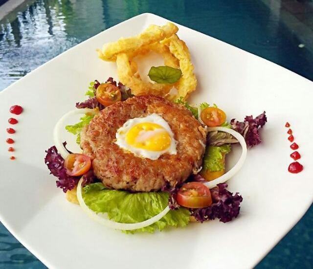 Serela Waringin Hotel Bandung - Bread Breaded Chicken Ring With Mustard Sauce