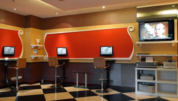 Sunlake Hotel Jakarta - Business Center