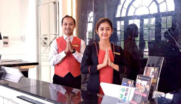 Lafayette Boutique Hotel Yogyakarta - Receptionist