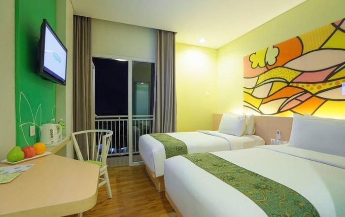MaxOneHotels Sukabumi - Deluxe Happiness Twin Bed
