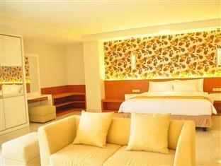 Prime Royal Hotel Surabaya - Rooms