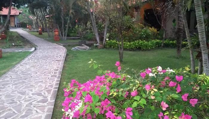 Dewi Bulan Bungalows Bali - Taman