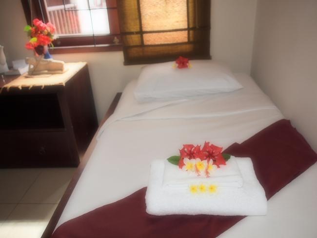 Al-Isha Hotel Bali - Kamar Tamu