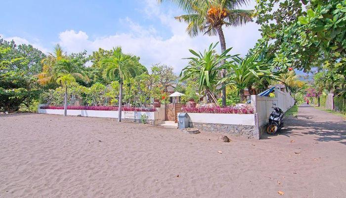 ZenRooms Lovina Sea Shores Bali - Pantai