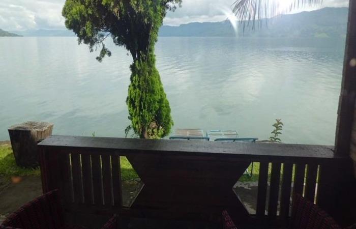 Tuk Tuk Timbul Bungalows Samosir - Pemandangan