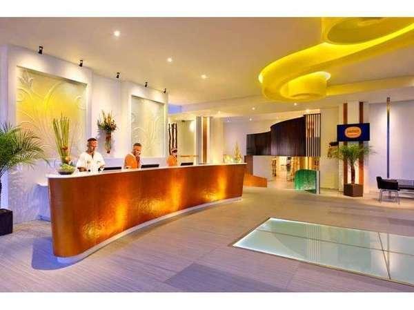 HARRIS Hotel Kuta - Lobi