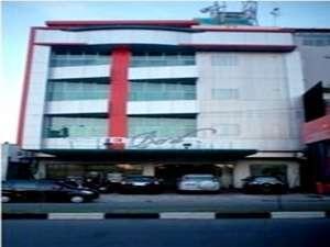Beril Nur Hotel Makassar - Exterior