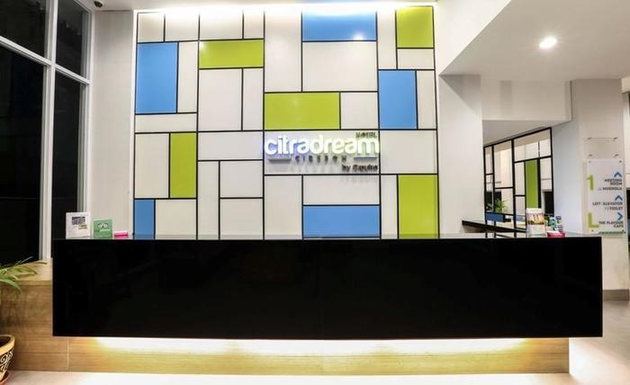Hotel Citradream Cirebon - Meja Resepsionis