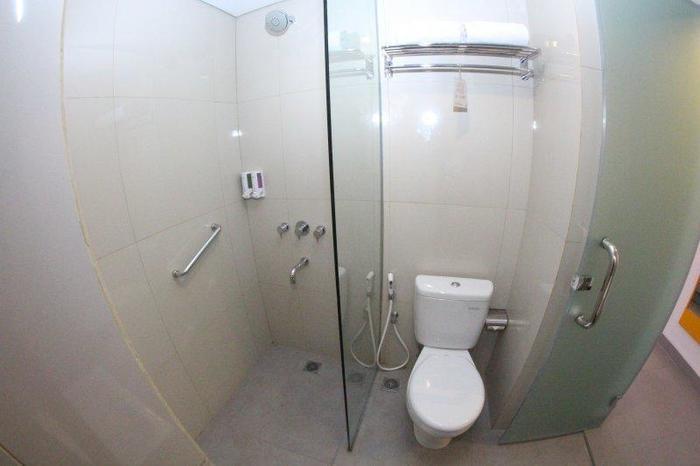 Amaris Hotel Sriwedari Solo - Kamar mandi