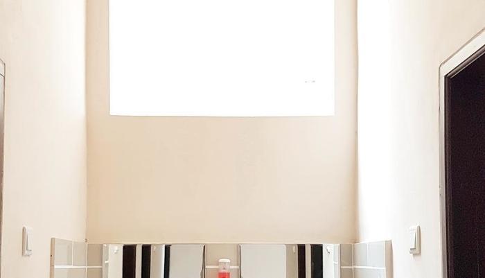 Lavender Guest House Samarinda - Kamar mandi Berbagi diluar kamar tidur