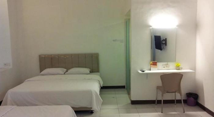 Loxy Inn Surabaya - Rooms1
