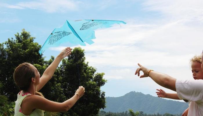 Puri Bagus Manggis Hotel Bali - Demo Kite Making