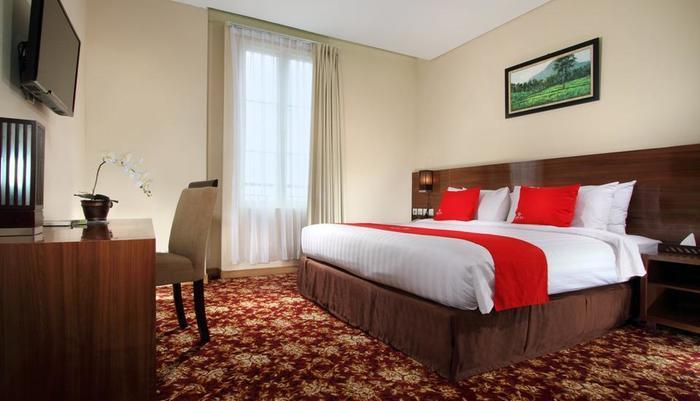Namira Syariah Hotel Pekalongan - Kamar Superior Double