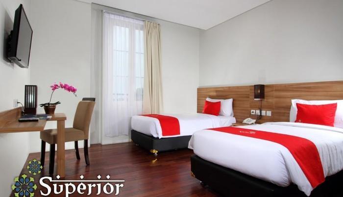 Namira Syariah Hotel Pekalongan - Kamar Superior Twin
