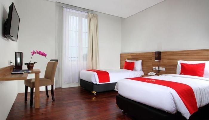 Hotel Namira Syariah Pekalongan - Kamar Deluxe Twin