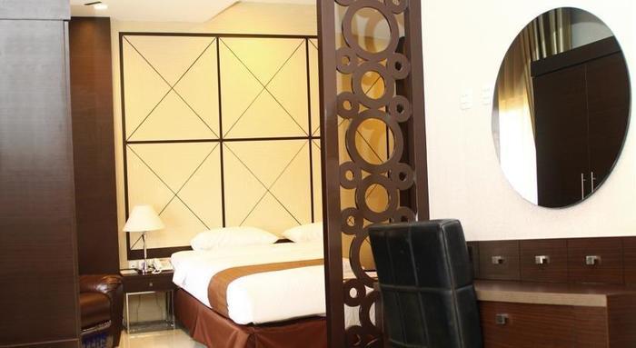 Sutan Raja Hotel Cirebon - Kamar tamu