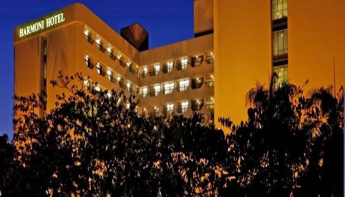 Hotel Harmoni  Batam - Tampilan Luar Hotel