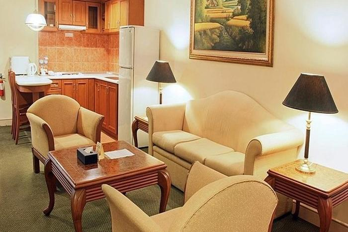 Hotel Harmoni  Batam - Living Room