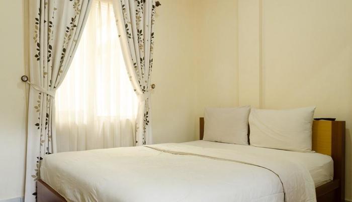 Lotus Hotel Bandung - Deluxe Room