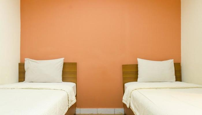 Lotus Hotel Bandung - Deluxe Twin