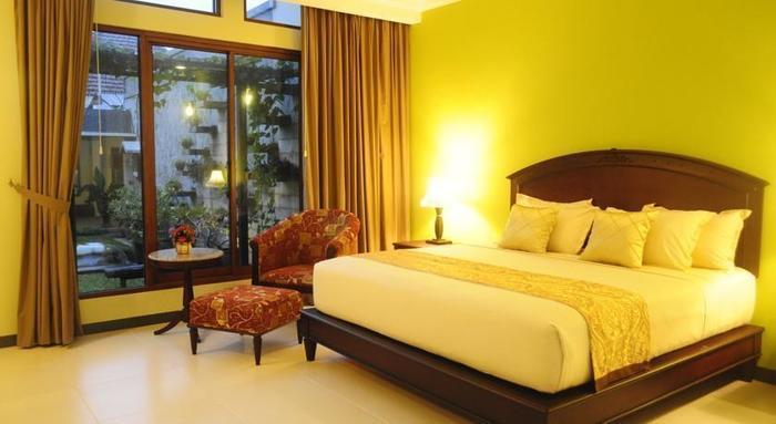Maharani Guest House Yogyakarta - Suite Room