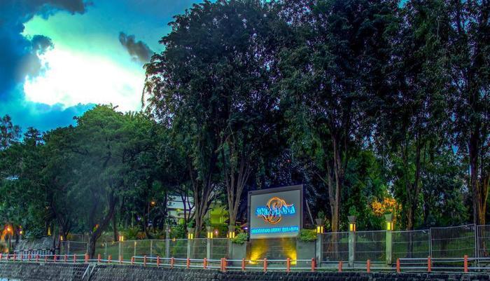 Singgasana Hotel Surabaya - Exterior