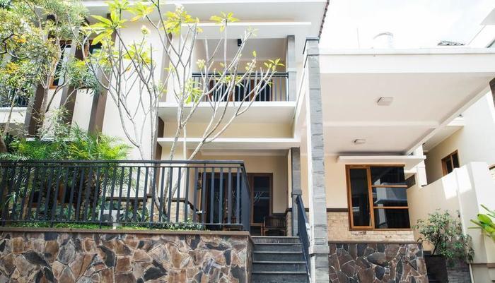 Kuldesak Villas Bandung Bandung - 3 Bedrooms Villa