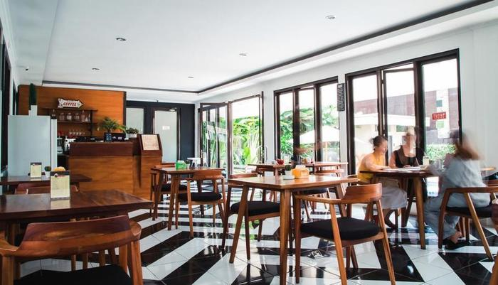 Kuldesak Villas Bandung Bandung - Freddy's Kitchen