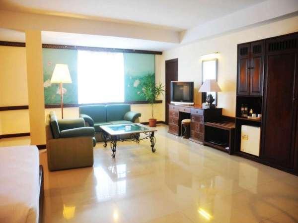 Losari Beach Hotel Makassar - Kamar Suite