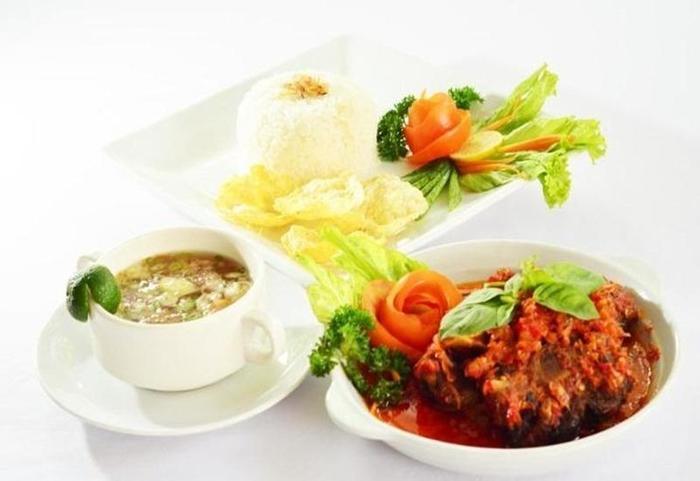 Topas Galeria Hotel Bandung - Makanan