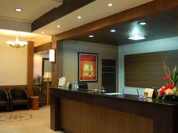 Hotel Grand Sari  Padang - Resepsionis