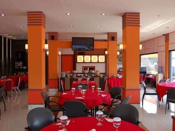 Hotel Grand Sari  Padang - Restoran